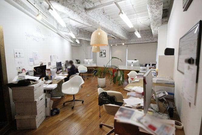 物件NO.14【天井と床がオシャレな小規模オフィス】